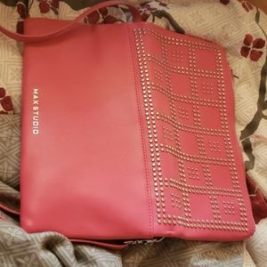 MAX STUDIO- Crossover pocketbook in Flamingo Pink